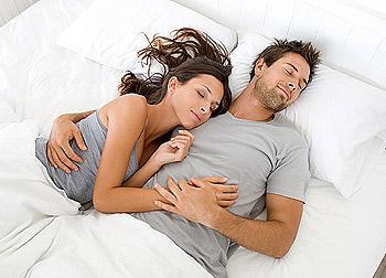 постельная сцена парня с девушкой фото