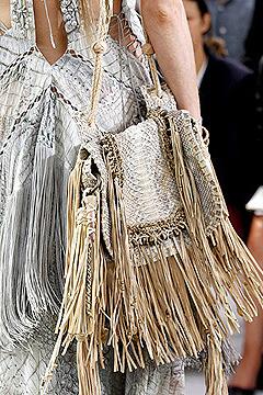 Холщовая сумка с бахромой от Roberto Cavalli.
