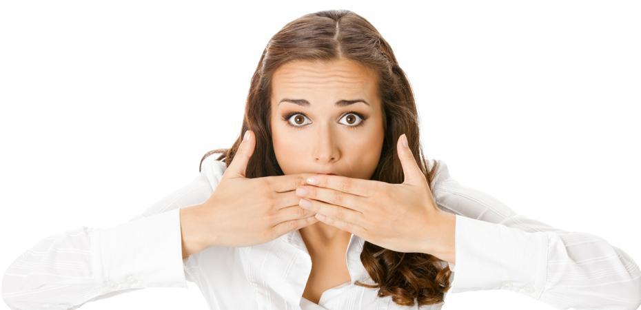 признаки запаха изо рта