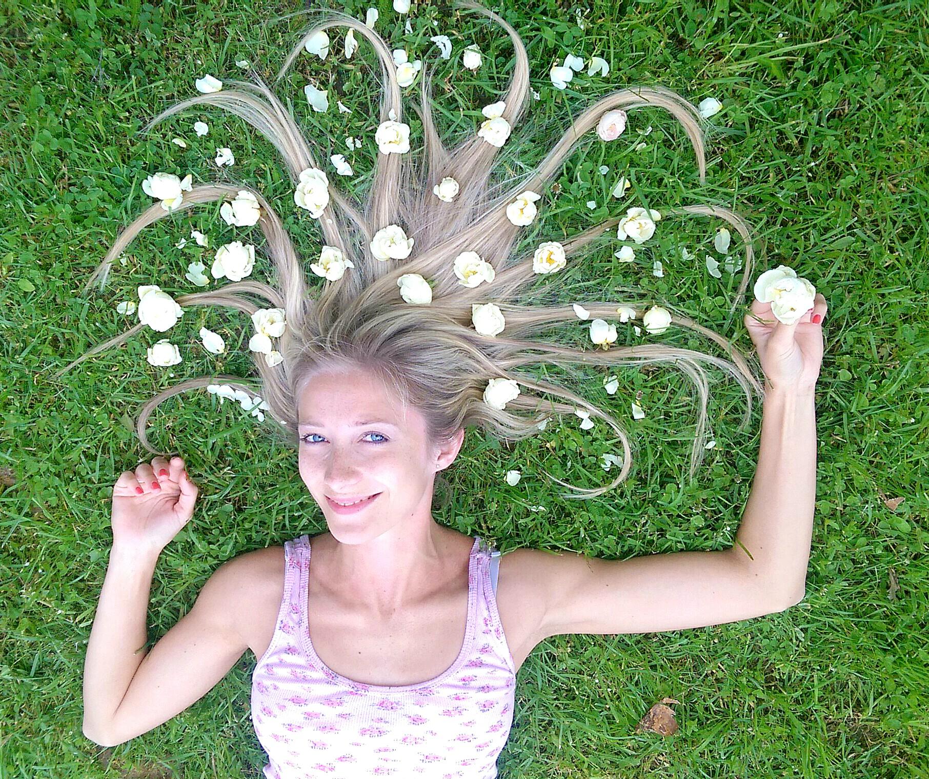 Результаты фотоконкурса Девушка в цветах