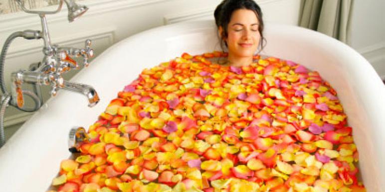 Лучшие советы, как ухаживать за акриловой ванной