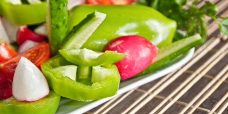 5 самых лучших и доступных рецептов весенних салатов