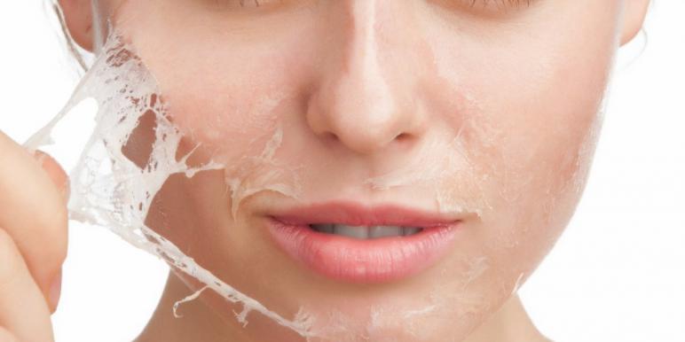 Активированный уголь и мед для отбеливания кожи