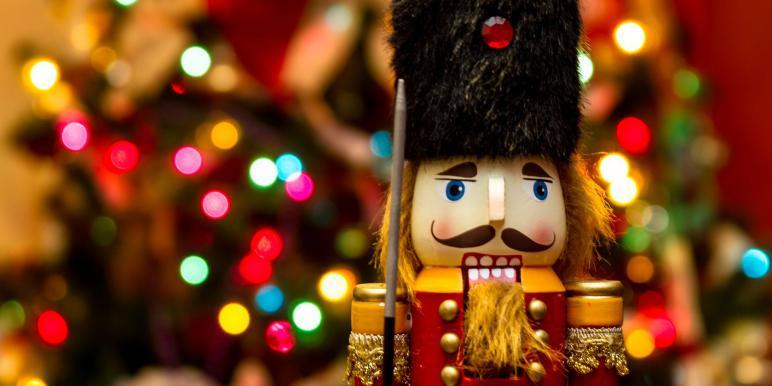 Новый год для детей: обзор новогодних представлений