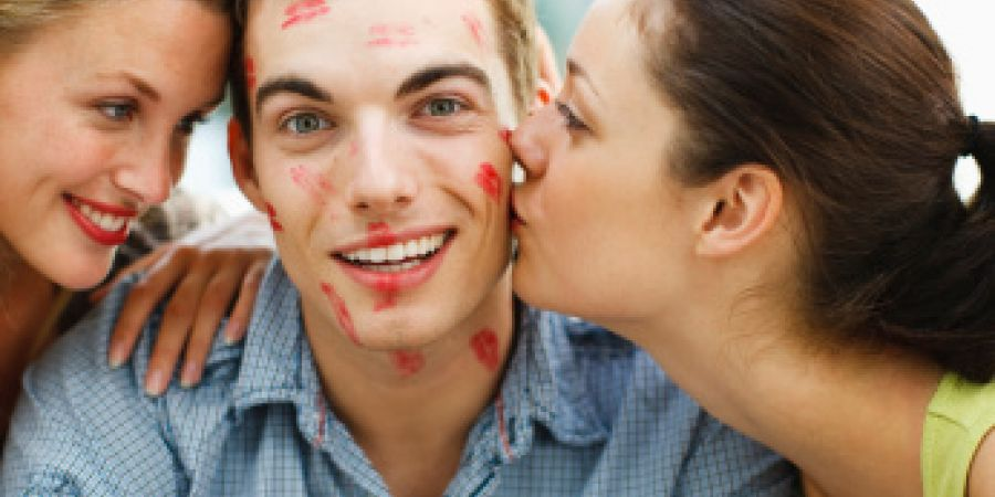 10 главных аргументов в пользу поцелуя