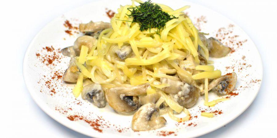 Мясо с макаронами и сыром в духовке рецепт