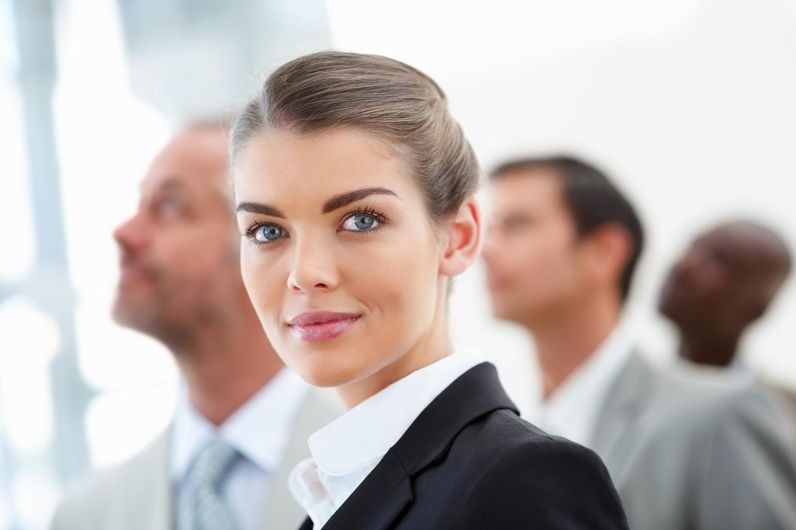Фото девушки с деловым мужчиной