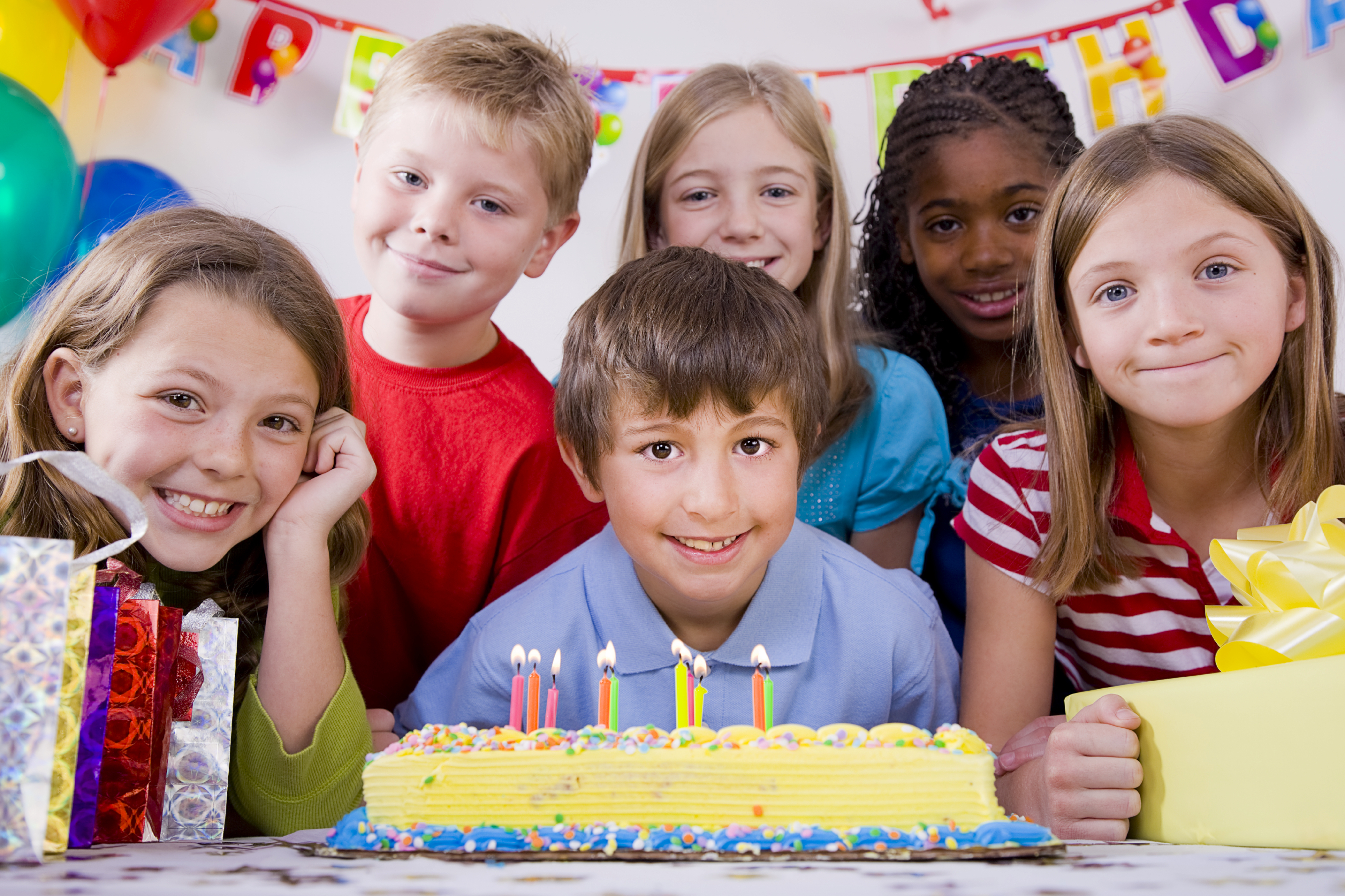 describe in birthday party Birthday do's & don'ts emily, to over-the-top parties with lavish themes, goody bags with birthday-party-size presents, and intricate cakes from gourmet bakeries.