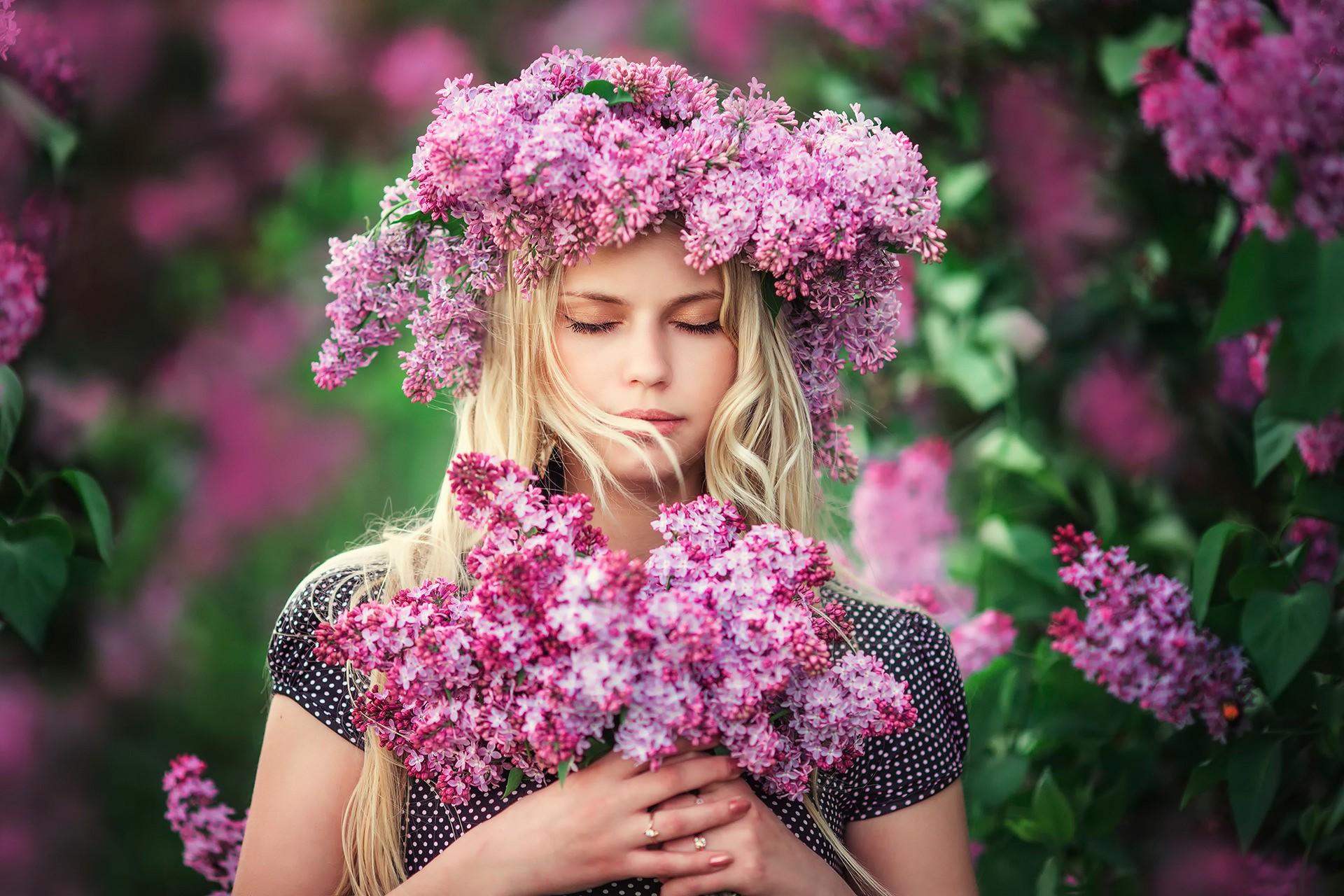 Результаты фотоконкурса Девушка в цветах новые фото