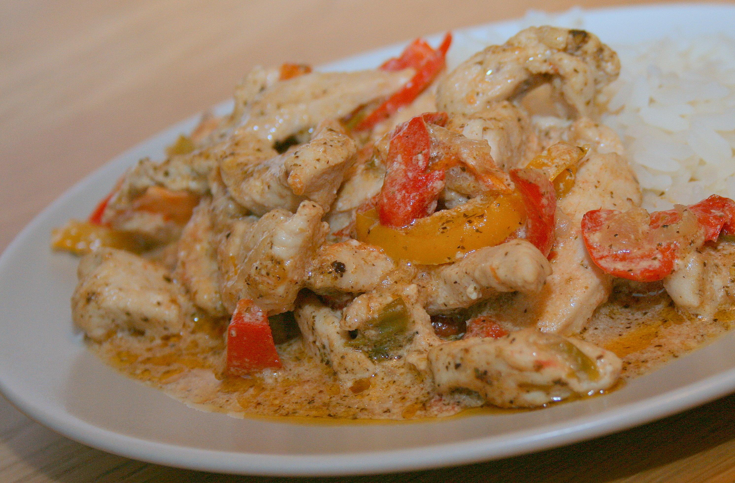 Курица в сливочном соусе на сковороде рецепт