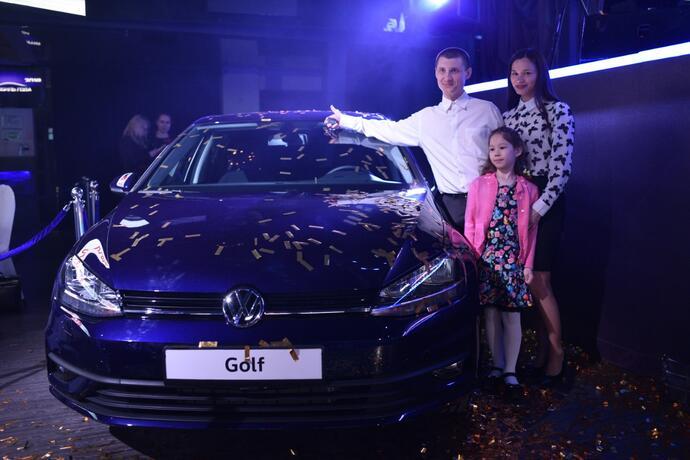 главного приза сезона — Volkswagen Golf 7