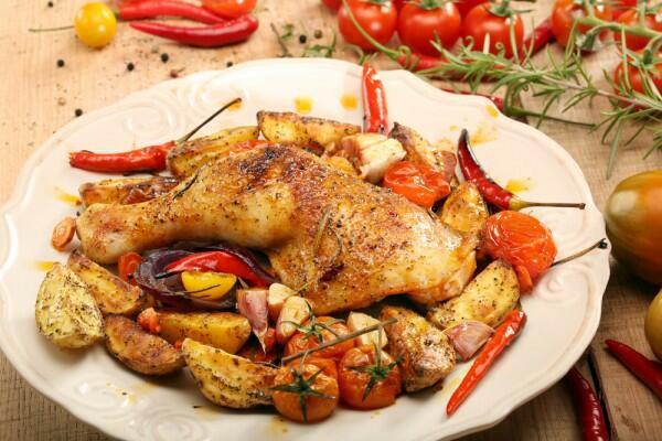 Запеченные овощи с курицей