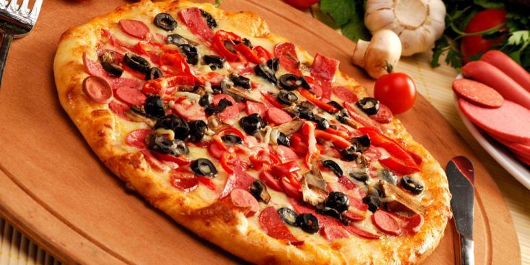 Тесто на пиццу вода дрожжи мука соль
