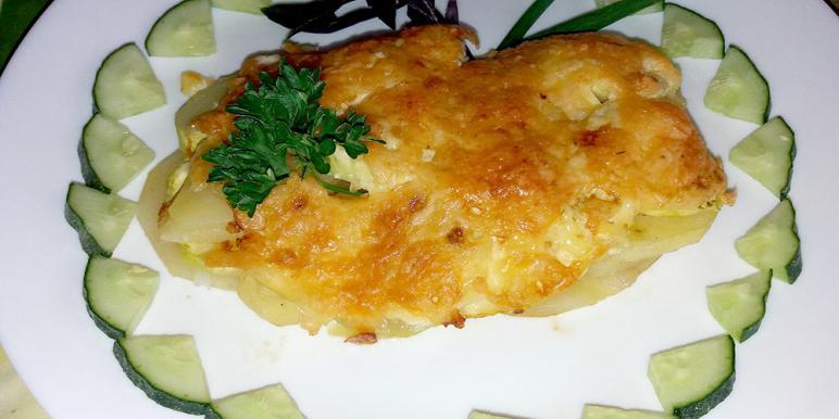 салат с копченым лососем фото пошагово