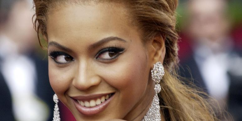 beyonce-over-the-shoulder.jpg