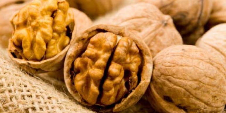Почему грецкий орех называется грецкий орех